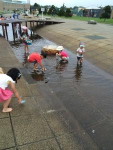 新篠津村キャンプ場で水遊び