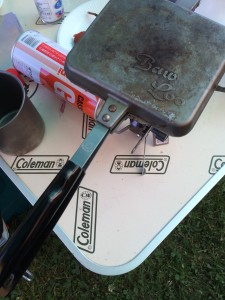 バウルーで作るドライキーマカレーホットサンド