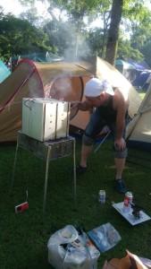 苫小牧アルテンキャンプ場で燻製