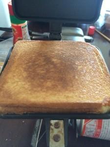 バウルーで作る簡単激ウマ焼きそばホットサンド