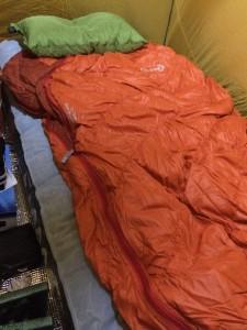 氷点下キャンプでエアベッドは寒い