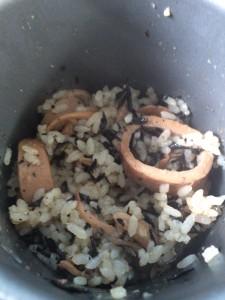 クッカーで作ったイカご飯