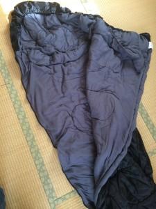 WHITESEEKマミー型寝袋の中身