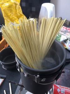 熊本もっこすラーメンは麺が長い