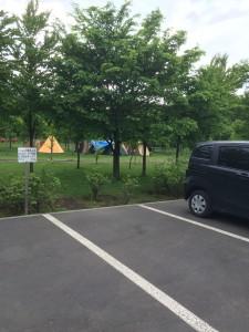 北海道安平町鹿公園のキャンプ場は車で便利