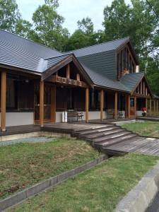 岩尾内湖白樺キャンプ場のセンターハウスが綺麗!
