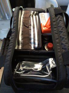 ソロキャンプの必需品モルテンメディカルバッグ