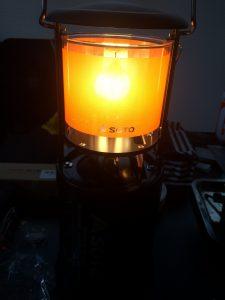 SOTO虫の寄りにくいランタンST-233の光の色