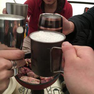 冬キャンプでビール