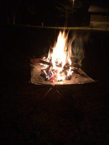 白老キャンプ場で焚き火