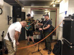 キャンプ王のバンド活動