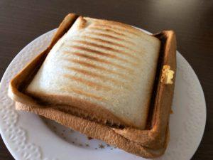 アイリスオーヤマホットサンドメーカーで焼いたパン